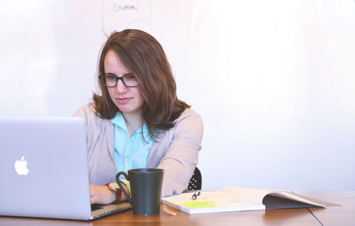 How to (Mis)Manage Your Freelance Brand Online: 5 Freelancer Faux Pas